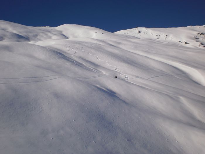 Skiing-West-slopes-from-summit-End-Peak