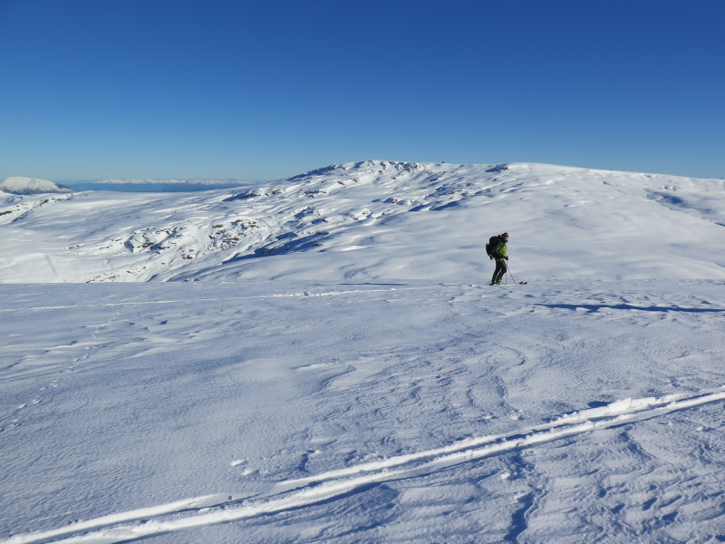 Skiing west in the Garvie Mountains, Mt Tennyson in background