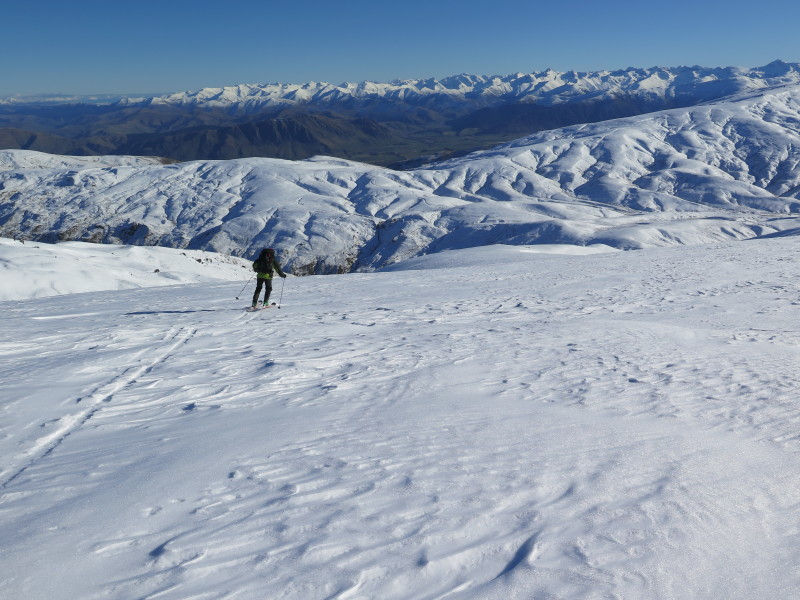 Skiing west towards the Nevis Rd and the Garston Ski hut, Garvie Mountains